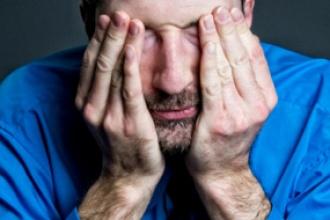 Thấp khớp và đôi mắt: Những điều nên biết